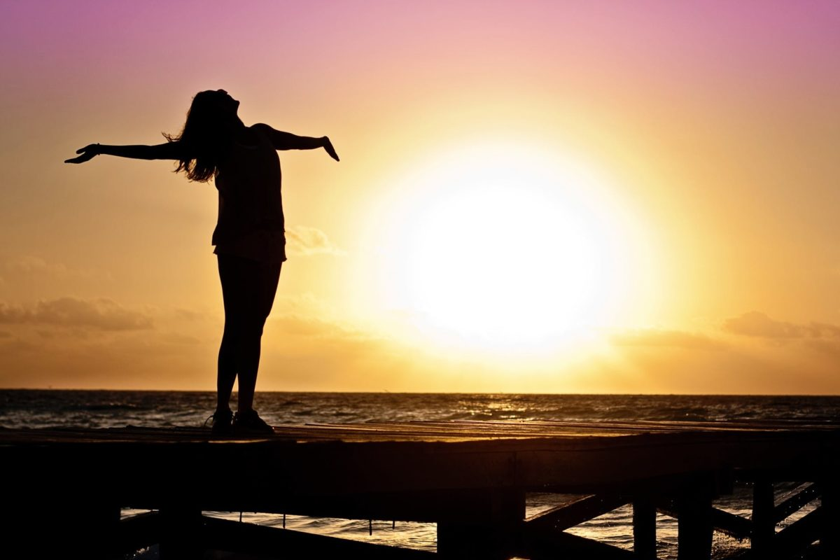 https://www.pexels.com/photo/dawn-sunset-beach-woman-39853/