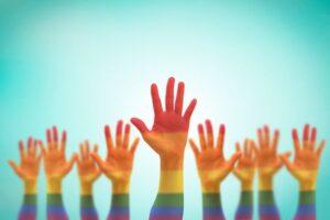 """...αλλά όταν μπαίνει το """"αλλά"""", αναιρείται όλη η προηγούμενη πρόταση. Η 17η Μαΐου έχει καθιερωθεί ως η παγκόσμια ημέρα κατά της ομοφοβίας. Ο λόγος που επιλέχθηκε η συγκεκριμένη ημερομηνία, οφείλεται στο γεγονός ότι στις 17 Μαΐου 1990, η ομοφυλοφιλία έπαψε να θεωρείται ασθένεια από τον Παγκόσμιο Οργανισμό Υγείας. Ας πούμε κάποια πράγματα γι' αυτό λοιπόν."""