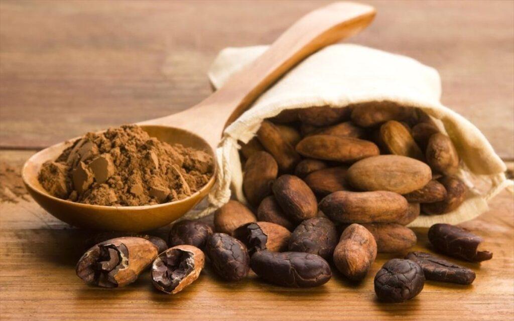 Καλά κατάλαβες! Αυτό το άρθρο είναι για την σοκολάτα. Σο-κο-λά-τα! Ζεστή, κρύα, παγωμένη, υγρή, στερεή, μαύρη, λευκή, με στέβια, γάλακτος, χωρίς θερμίδες, με γεύση, σε κομματάκια, ολόκληρη, σταγόνες, σε όνειρα!