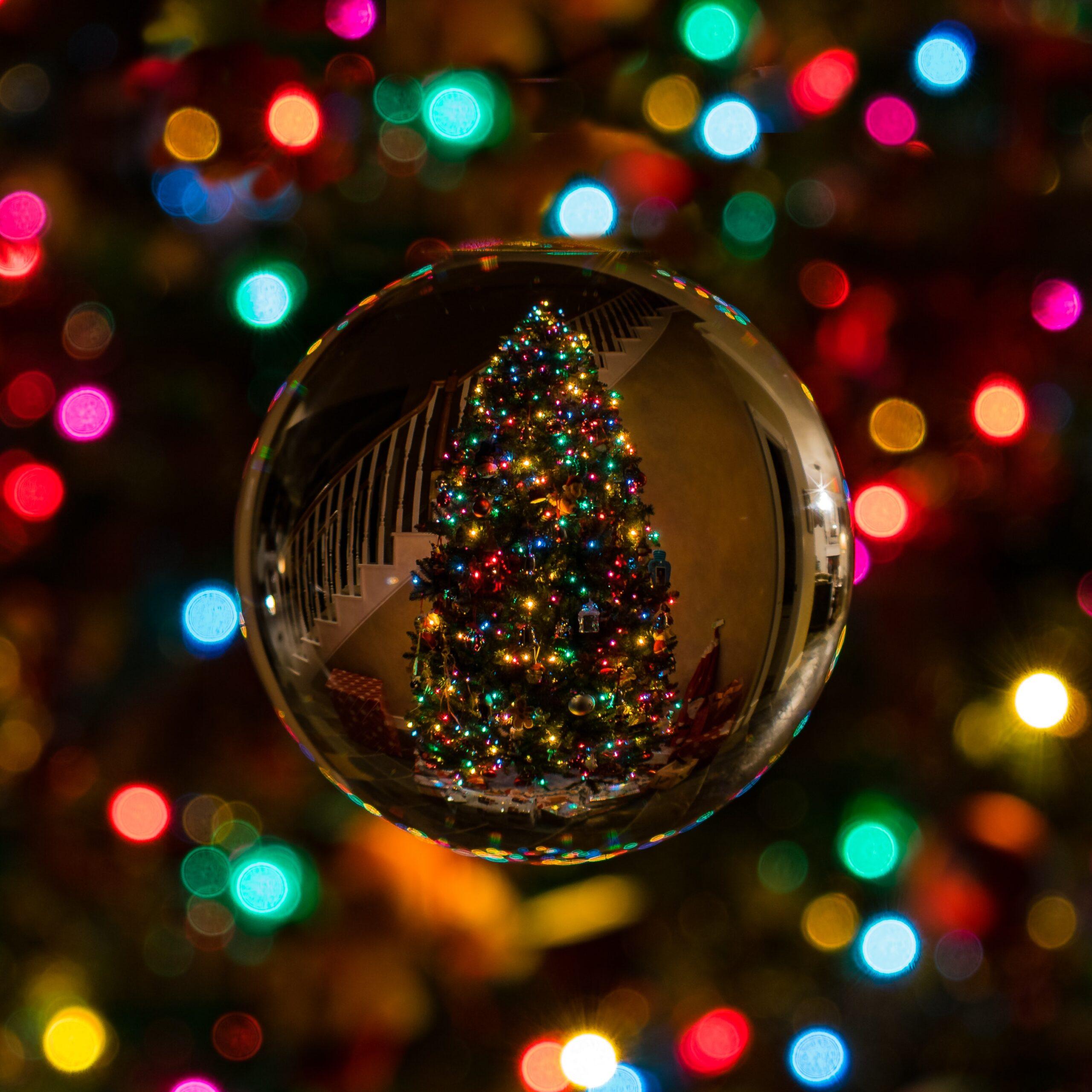 Νοσταλγικό ταξίδι μέσα από Χριστουγεννιάτικες ταινίες.