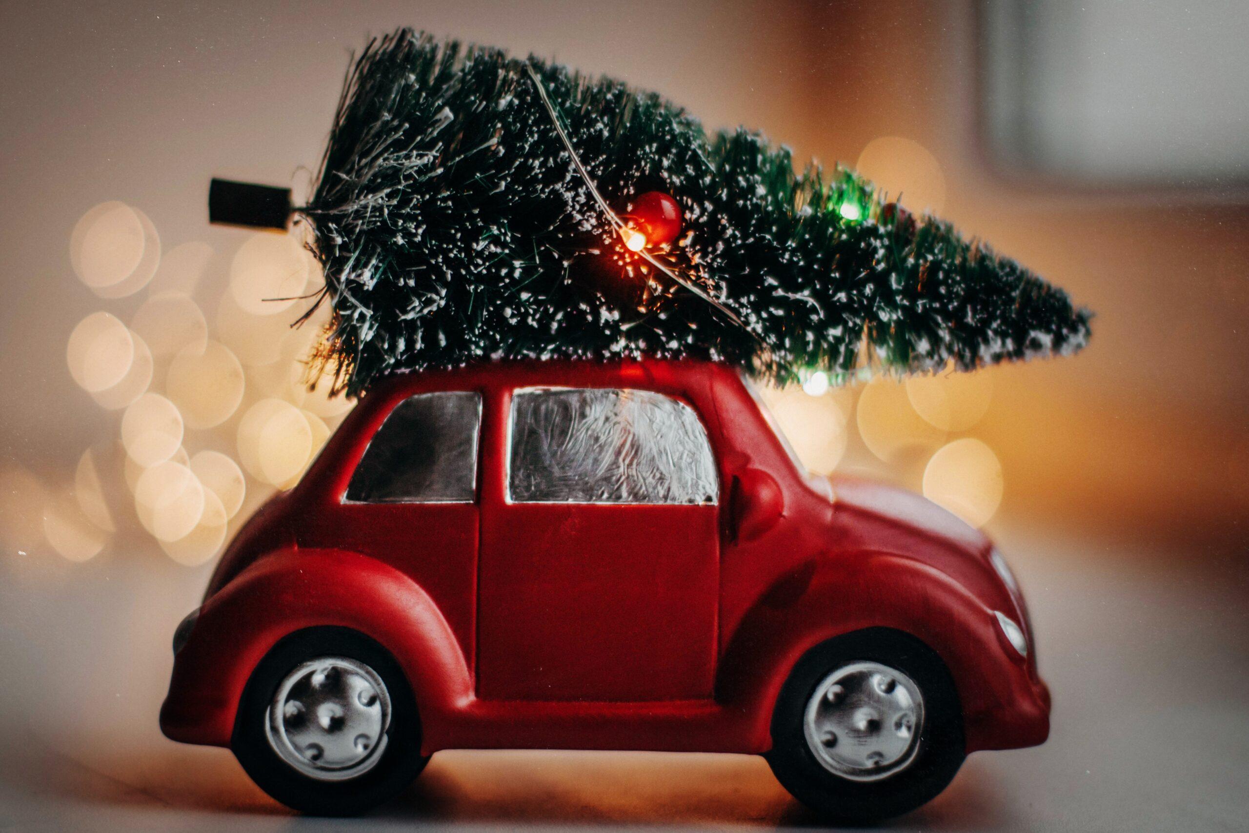Μικρός γύρος του κόσμου με Χριστουγεννιάτικες σειρές