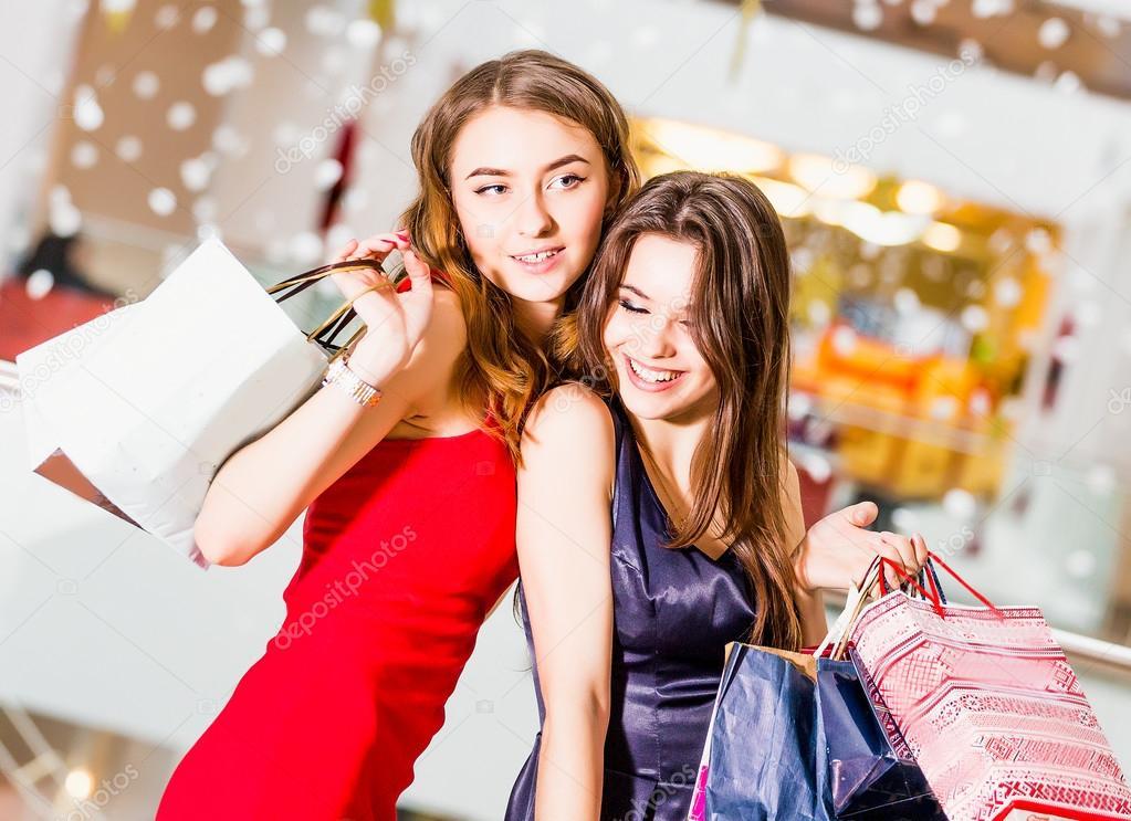 https://st2.depositphotos.com/5906386/9912/i/950/depositphotos_99129822-stock-photo-sale-tourism-shopping-and-happy.jpg
