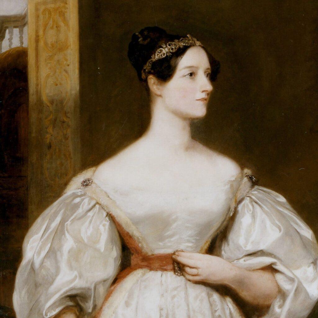 """Πρόκειται για μια από τις πιο ιδιοφυείς προσωπικότητες της ιστορίας. Η Augusta Ada Byron, κόμισσα του Lovelace ή αλλιώς """"Μάγισσα των αριθμών"""", θεωρείται -και όχι άδικα- μια από τις γυναίκες που κατάφεραν να αλλάξουν την ιστορία. Είναι η γυναίκα της οποίας οι ιδέες απορρίφθηκαν όσο ήταν εν ζωή, καθώς τα μυαλά των τότε μηχανικών δεν μπορούσαν να τις διανοηθούν. Μια γυναίκα που ξεπέρασε οποιοδήποτε εμπόδιο στο να αξιοποιήσει το δυναμικό της."""